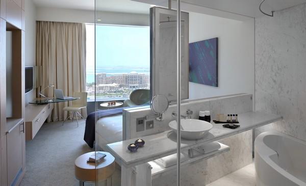 hip-biz-room-at-media-one-hotel-big315201510379