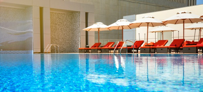 pool-bodylines-downtown-rotana.jpg