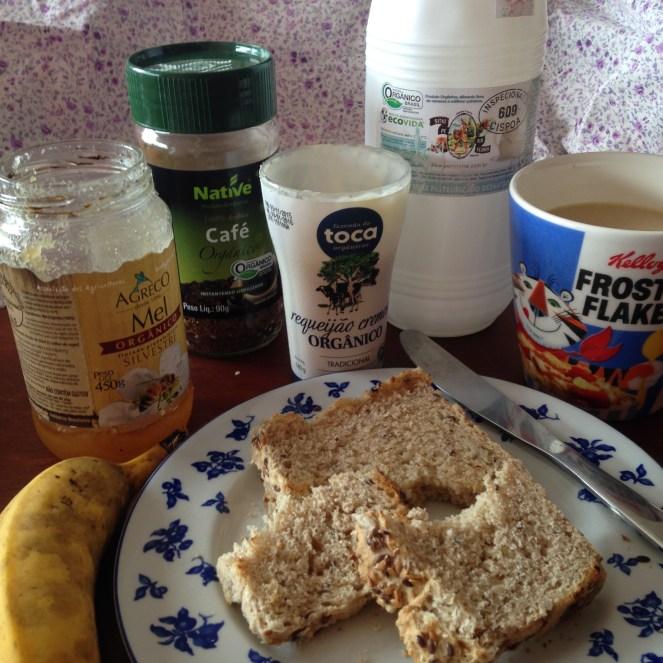 Meu café da manhã de hoje: igualzinho ao de 35 anos atrás, mas 100% orgânico!