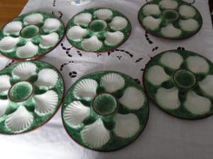 Vintage green oyster plates
