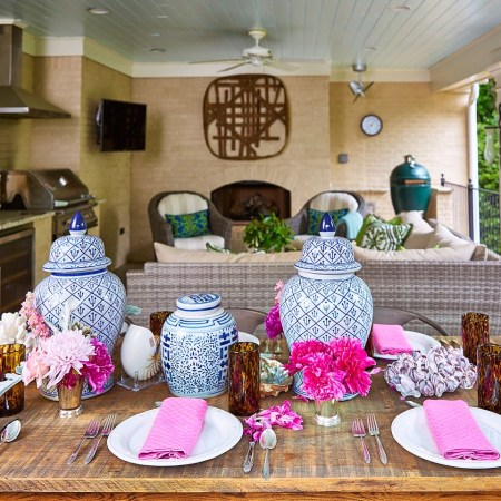 Maggie Griffin tablescape with blue and white ginger jars