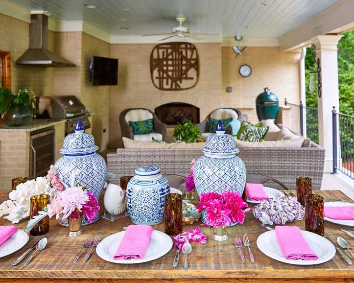Maggie Griffin pink tablescape with blue and white ginger jars