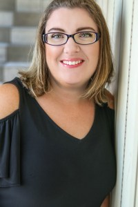 Author Amy Miles joins Havenwood Falls