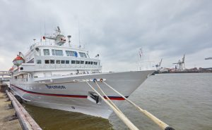 Hapag-Lloyd Cruises, MS BREMEN, Hamburg, DEU, 13.10.2016, Werfterneuerungen der MS BREMEN Aussenaufnahme der MS BREMEN