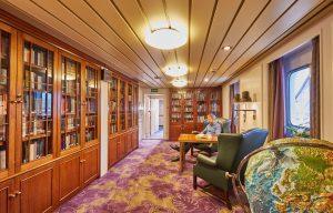 Hapag-Lloyd Cruises, MS BREMEN, Hamburg, DEU, 13.10.2016, Werfterneuerungen der MS BREMEN Bibliothek