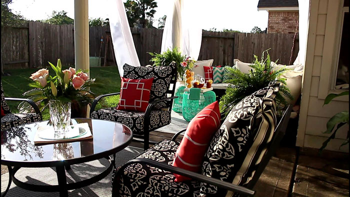 Outdoor Living - Patio Makeover | Home Decor | DIY | Patio Decor | Deck Decorations | Porch Decorations | Pallet Furniture | Gardening