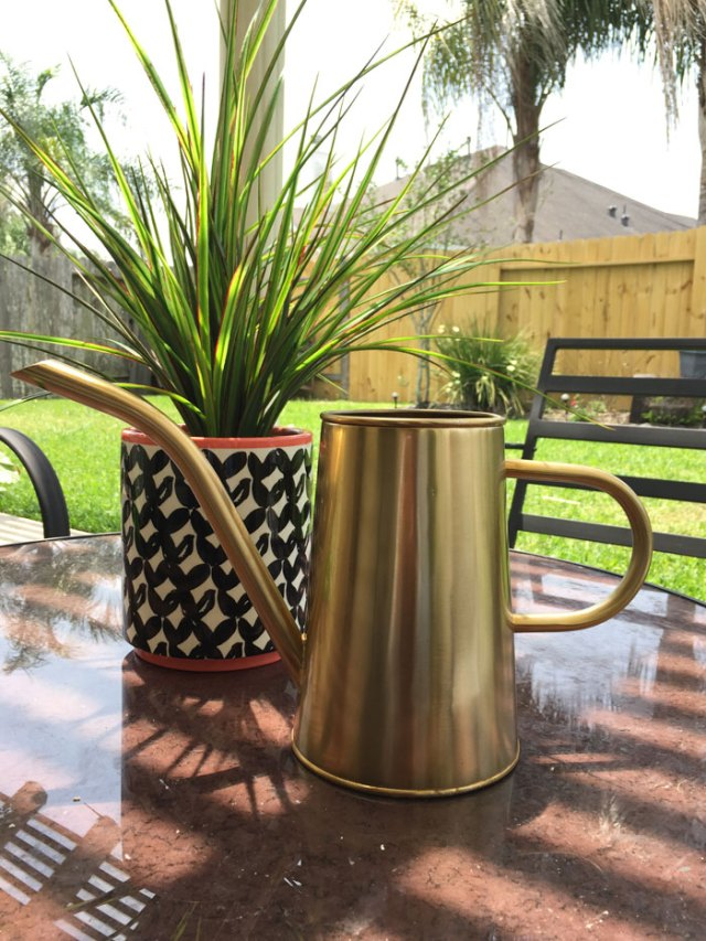 Outdoor Living - Patio Makeover   Home Decor   DIY   Patio Decor   Deck Decorations   Porch Decorations   Pallet Furniture   Gardening