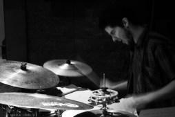Alfonso López viene de Murcia y es graduado en Grado Superior de Batería Jazz.