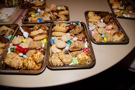 The brides mother, Gabbie, provided these delicious Italian cookies for dessert - Photo by Joe Foley Photography