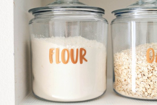 How to make pantry label decals