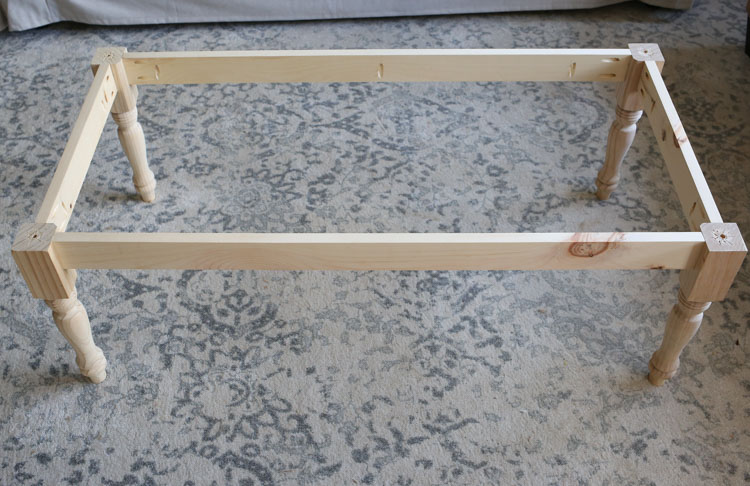 Farmhouse Coffee Table DIY