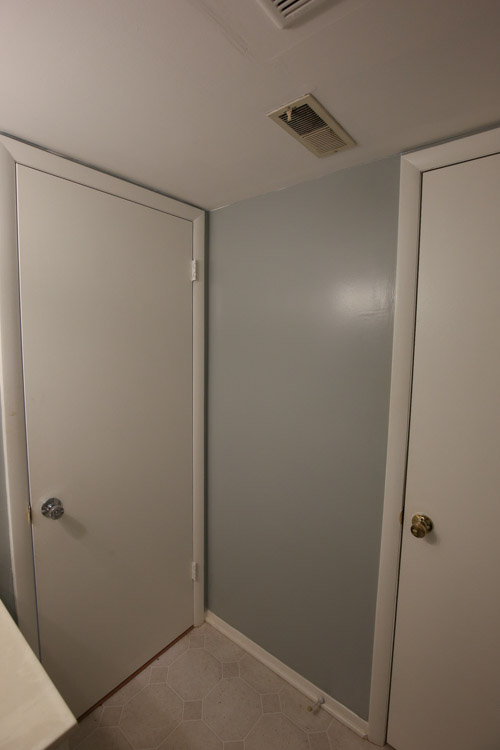 One Room Challenge Week 1 - Half Bathroom Before Photos