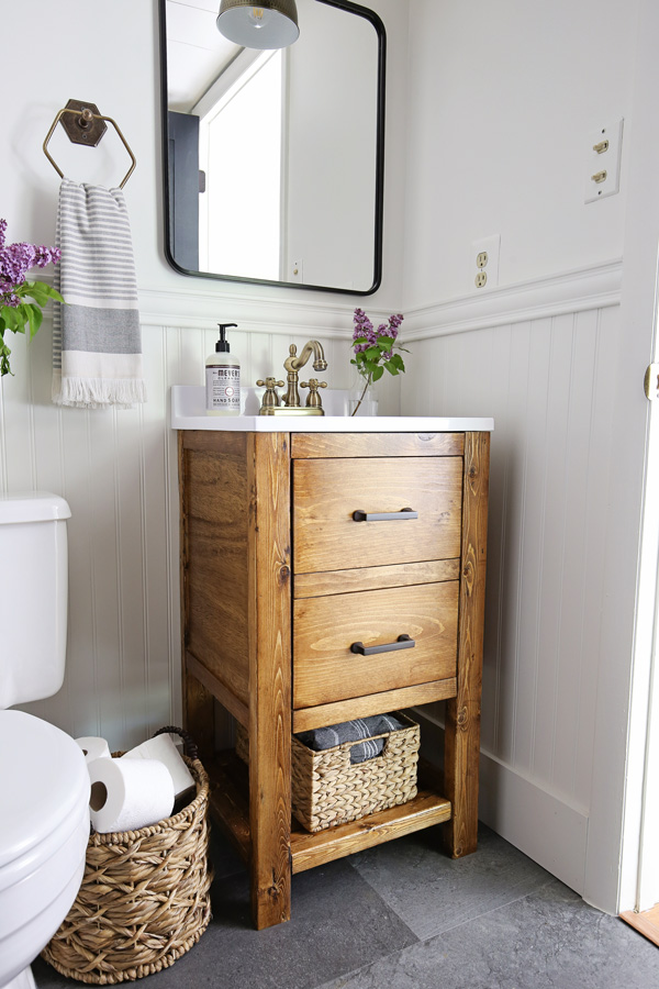 DIY bathroom vanity in small bathroom makeover