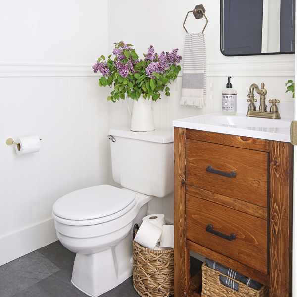 Small Bathroom Makeovers: Small Bathroom Makeover On A Budget
