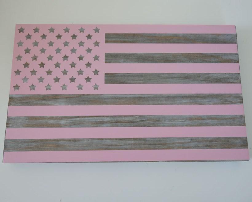 apply american flag vinyl stencil to wood board