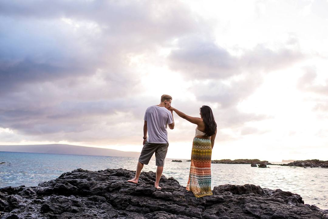 lava rock sunset couples photography maui