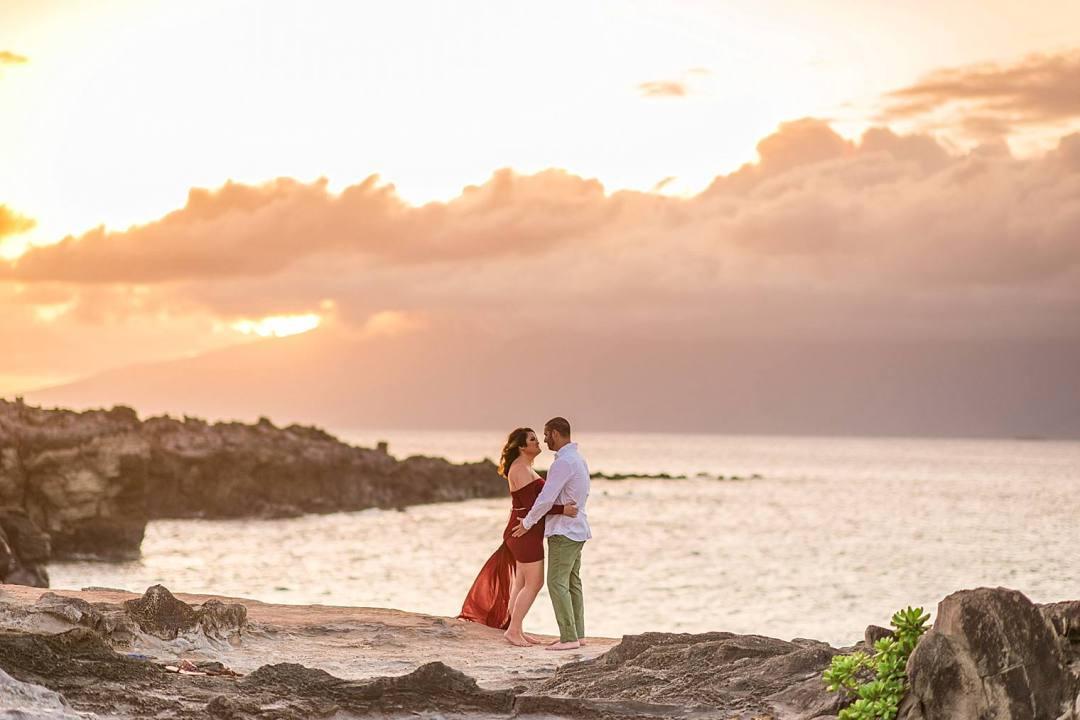 Gorgeous Anniversary Photos in Maui, Hawaii_0013