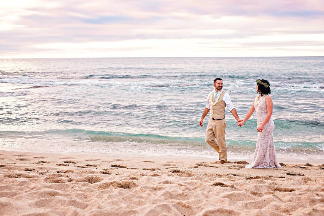 wedding portraits at kukio beach