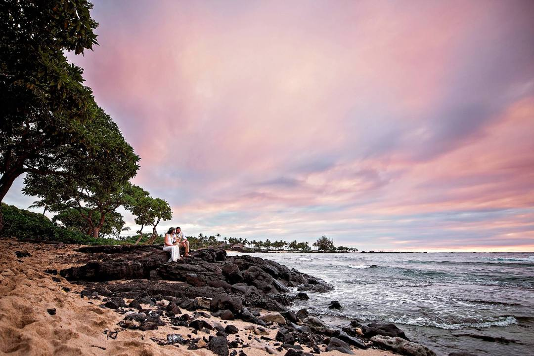 beach elopement in kona, hawaii