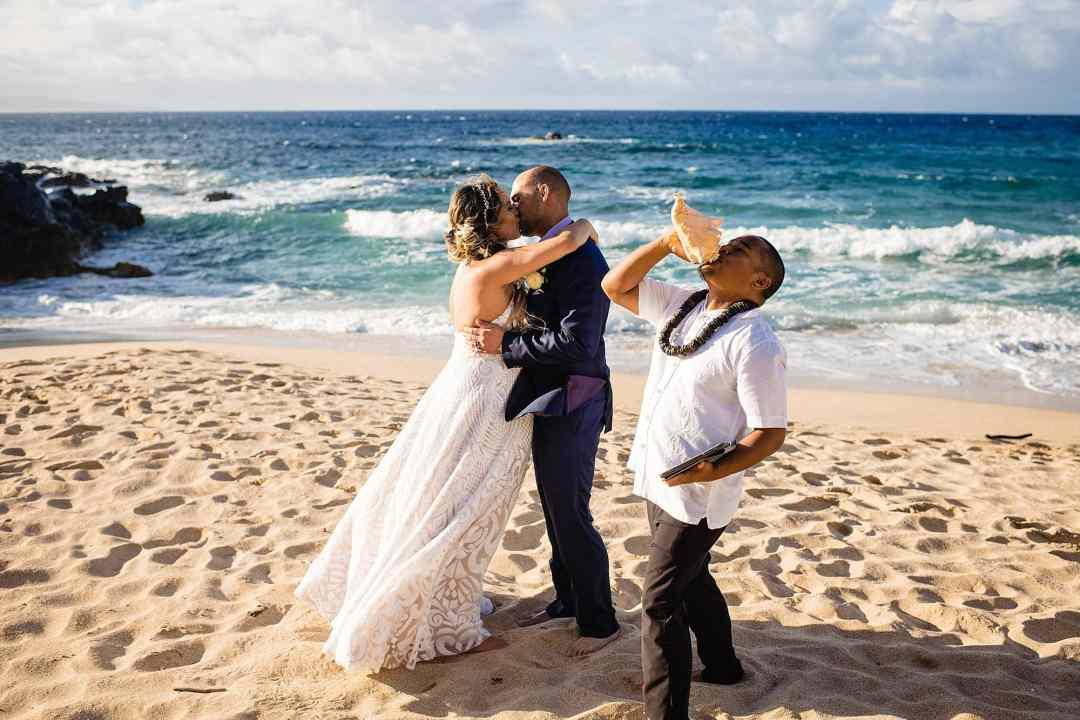 first kiss on oneloa beach