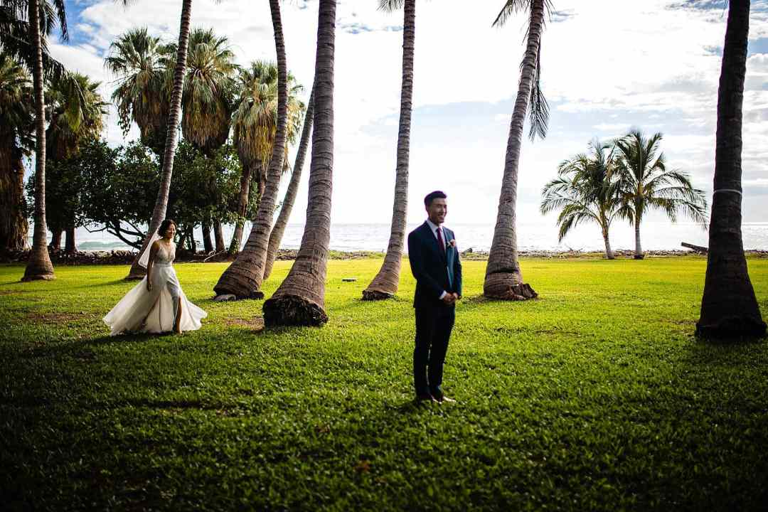 bride preparing for first look at Olowalu Plantation House
