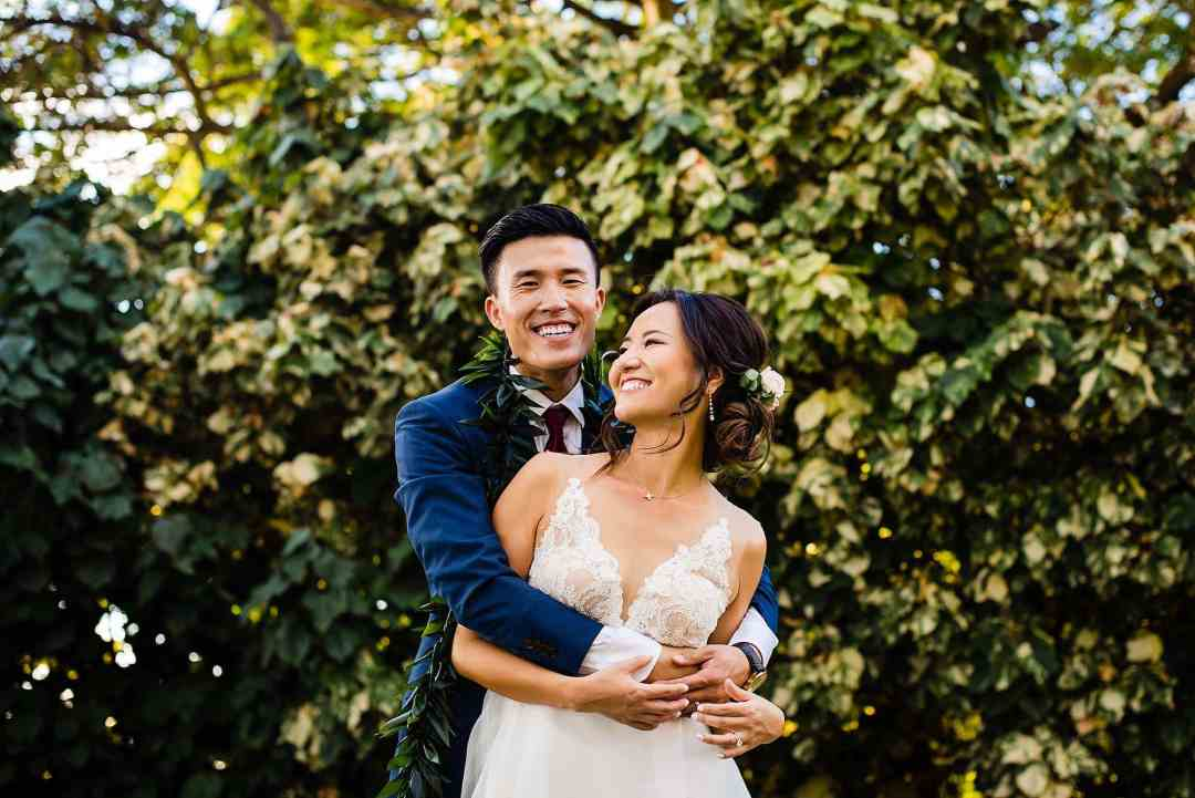 bride and groom portraits at Olowalu Plantation House