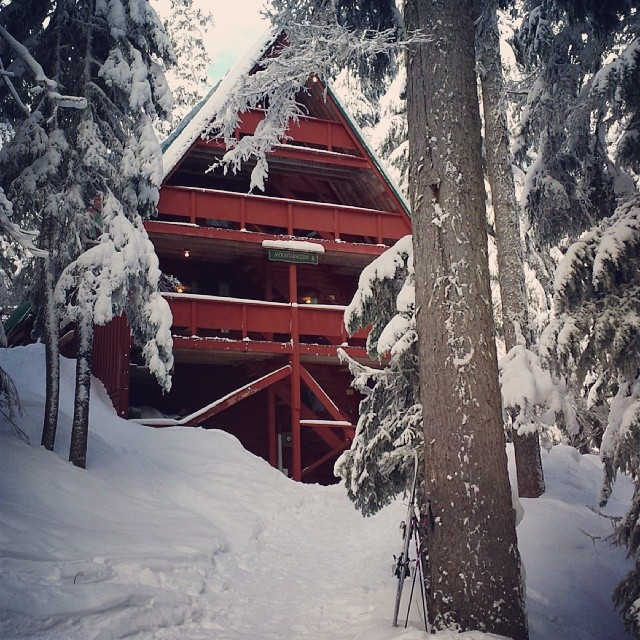 Stevens Pass Best Secret - Mountaineer's Lodge