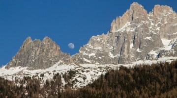 moon rising above Chamonix moutnains