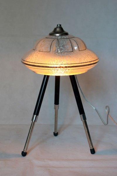 Naverie, Lampe soucoupe avec verrerie sur un trépied photo.