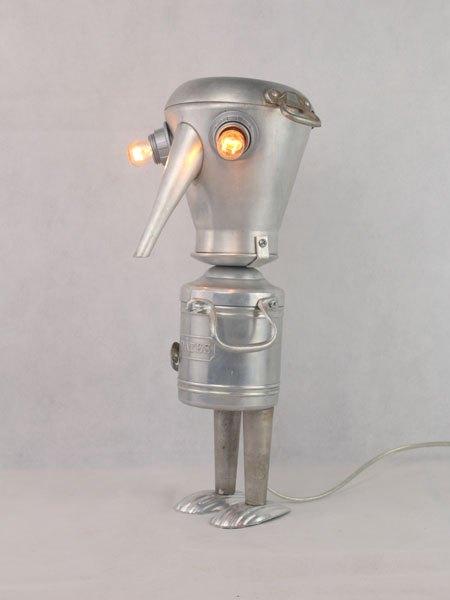 Patessoir. Sculpture aluminium de cuisine. Assemblage: cafetière, plat, anses, pot à pâtes, moules à madeleine.