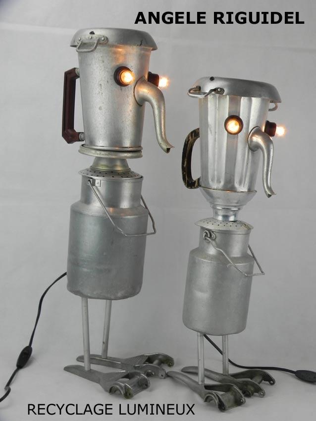 personnages en objets détournés. Sculptures personnages en aluminium. Assemblage cafetière et timbale