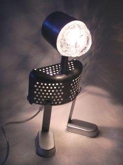Assemblage d'aluminium lumineux. Composition: filtre à café, bol, passoire, 2 moules à glaces.