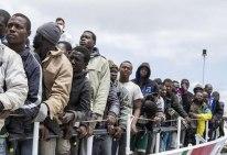 LampedusaAfricanMigrantsLandMay15