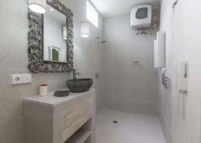 Jepun suite bathroom at Angel House Ubud