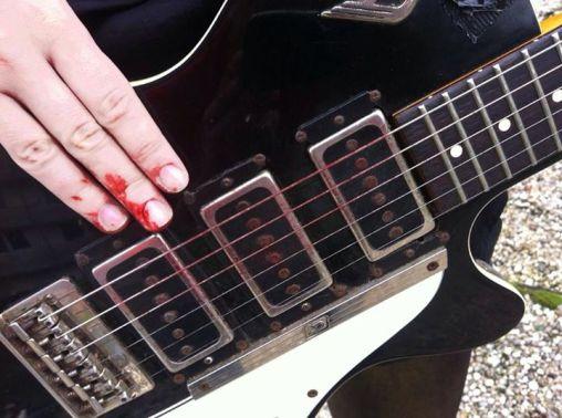 Gitarristinnenblut.