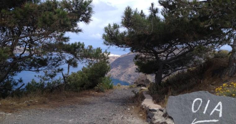 Hiking from Fira to Oia, Santorini