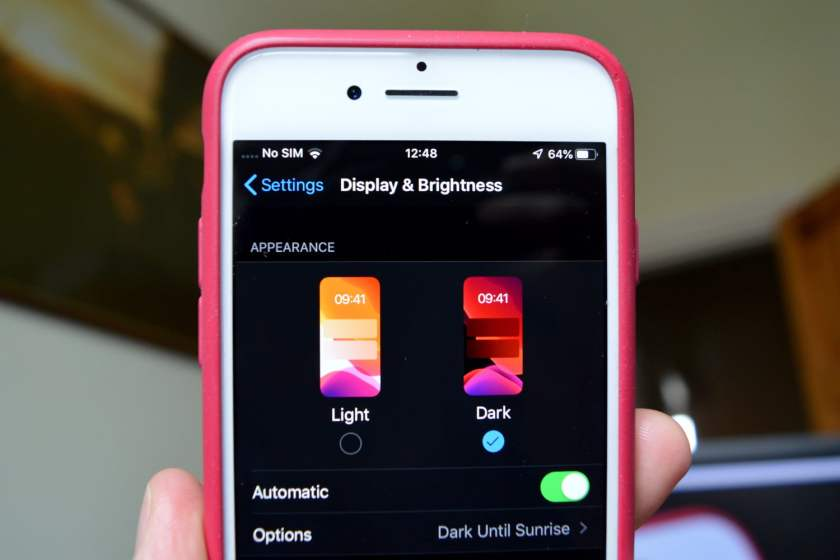 how-to-enable-iphone-dark-mode