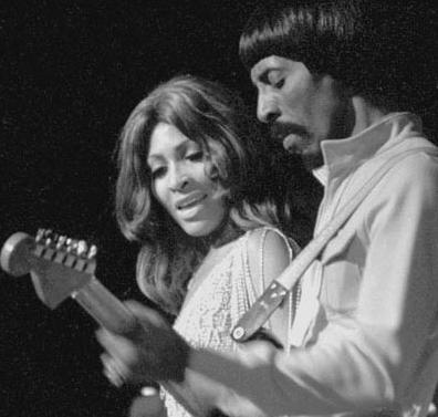 Tina Turner torbellino de fuerza en su voz y energía viva en el escenario. (3/6)