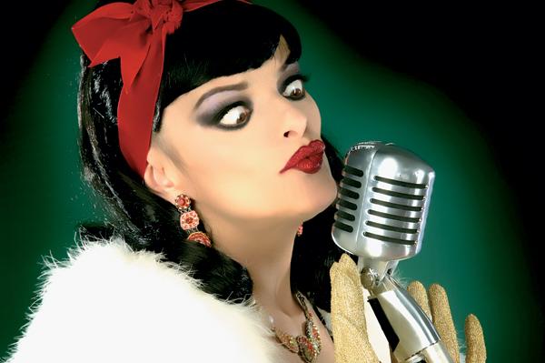 Nina Hagen mi extravagante punk con inusual voz. (4/6)