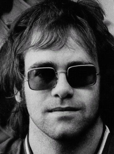 Elton John  figura musical de reconocimiento mundial (2/6)