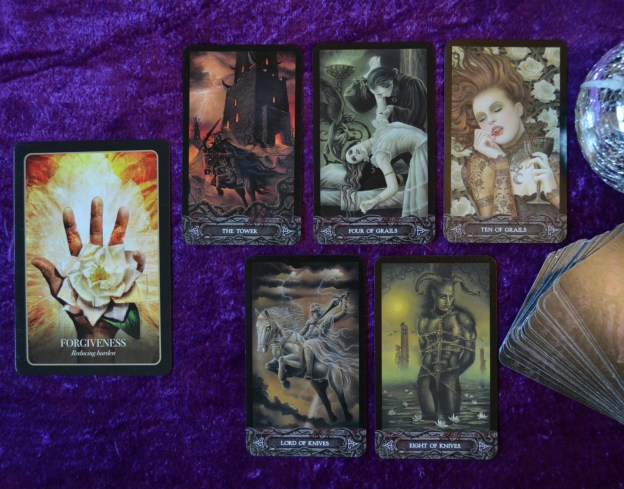 Halloween Oracle and Tarot of Vampyres