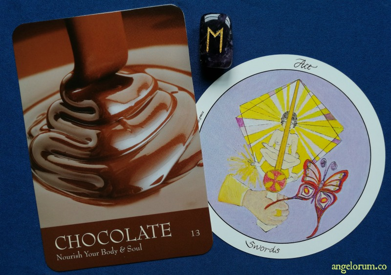 Wheel of Change Week Ahead Tarot Forecasts - General Spirit Guidance with the Secret Language of Color Cards, Motherpeace Tarot and the Runes