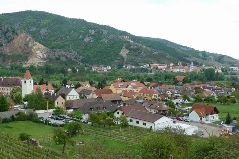 Rossatz im Hintergrund Dürnstein