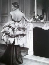 """Modello di Elsa Schiaparelli/Elsa Schiaparelli outfit. 1939"""" Moda. Da/From Il Secolo degli stilisti"""" by Charlotte Seeling -2000"""