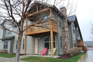 Fully Furnished 3BD/2BA Kimball Junction Condo.  Available April 1-Nov. 30