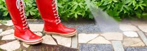 Power washing services to clean siding, decks, roofs, sidewalks, driveways.