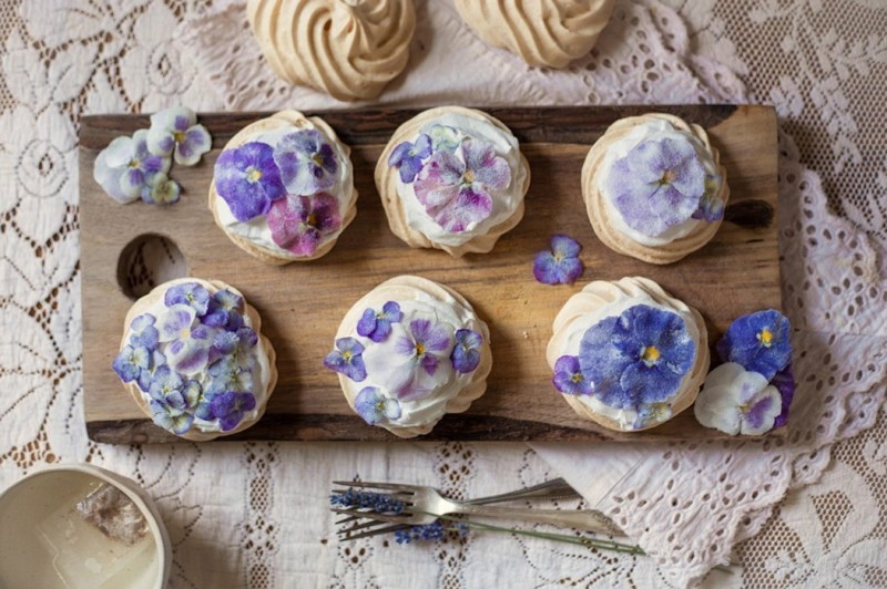 sping-cooking-with-edible-flower-5-e1458684590161