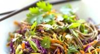 【ダイエット食】海外セレブもはまる「蕎麦サラダ」4選