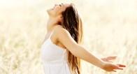 憂鬱な心と体にさようなら。フランス女性に学ぶちょっと意外なPMS対策