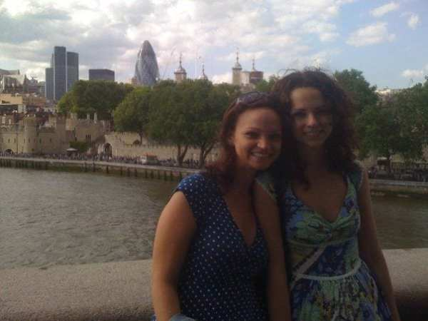 The Jet Sisters in London